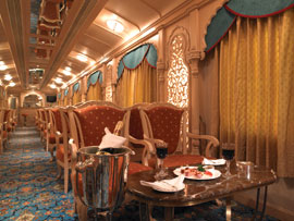 A sophisticated tour Palace on wheels