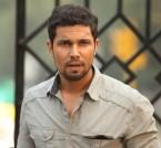 Randeep-Hooda-During-Movie-Scene-56-20