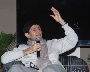 Dev Anand comes back with a bang