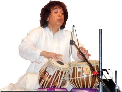 A tabla maestro Zakir Hussain