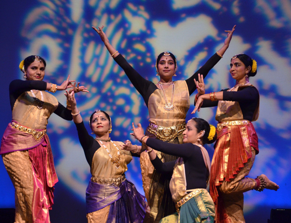 Indian Classical Dance by Ekal Vidhyalaya Foundation