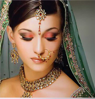 Bridal-eye-makeup-and-Hairstyle-For-wedding