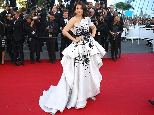 Aishwarya Celebrates 15 Years of Representing India at Cannes