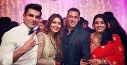 Salman Khan at pre-wedding photoshoot with Karan & Bipasha