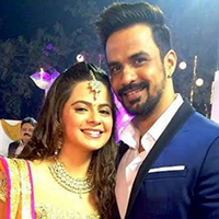Bollywood Weddings: Rucha Gujarati Weds Longtime Beau