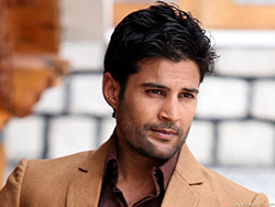 Rajeev Khandelwal All Set to Debut in Web Series Haq Se