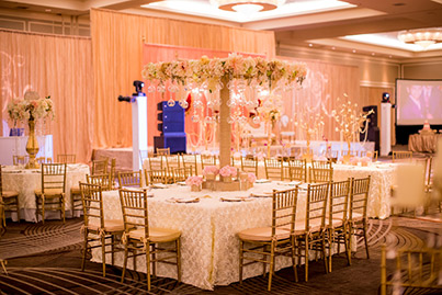 Dazzling Indian Wedding Reception Centerpiece