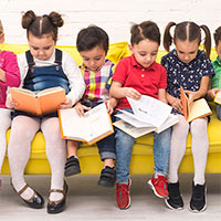 Children Group Reading Books Ftr Img