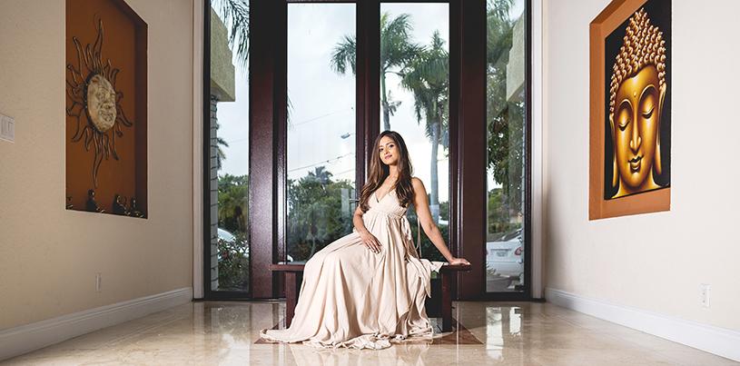 Glamorous Shobha Narayan