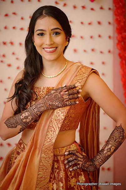 Mehndi Outfit of indian Bride