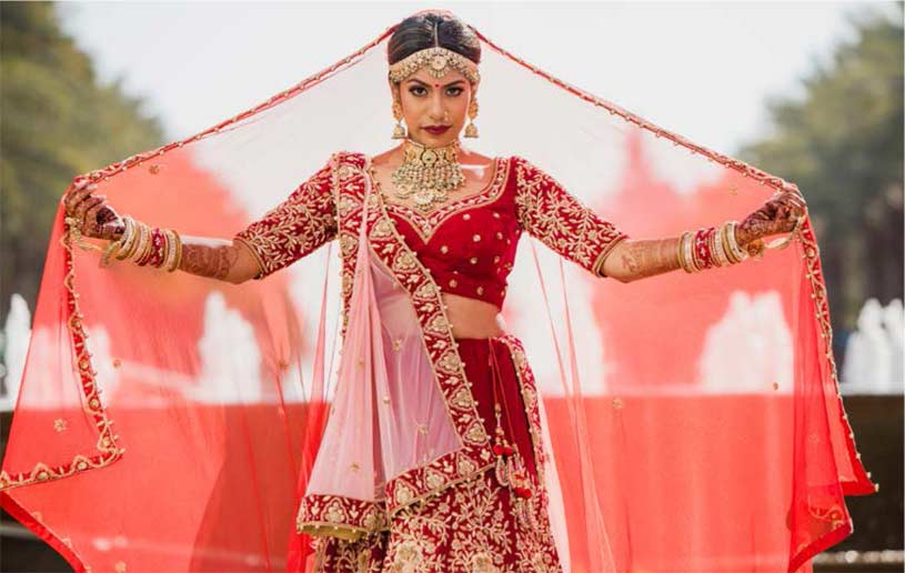 Bursting with vivid and bold hues, opulent décor and intricate but elegant designs very well describe Indian weddings