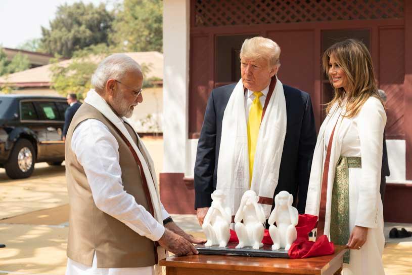 Monkey statues in the Sabarmati Ashram