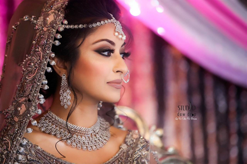 Beautiful Indian Bride Capture by Studio dew drops