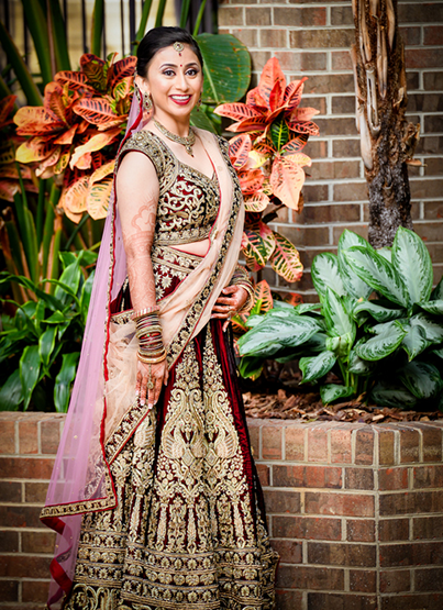 Enchanting bride posing for the photoshoot