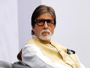 Amitabh Bachchan Tweets Gratitude Messages from Hospital