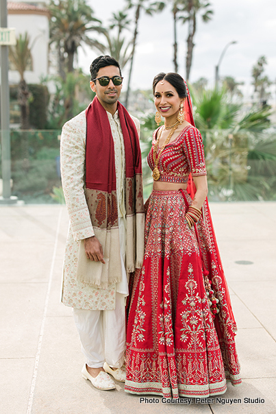 Awe-aspiring Picture of Indian Couple