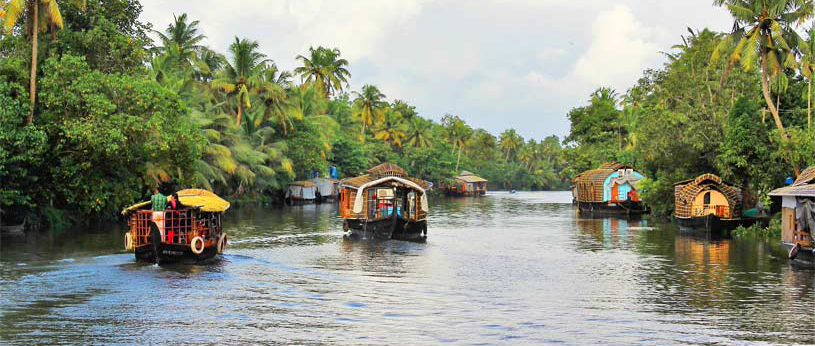 explore the rich culture and heritage of Kerala that includes some of the most remarkable architecture of temples, mosques, and churches.