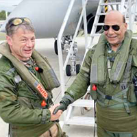 Indian Defence Minister Invites French Defence Firms to India