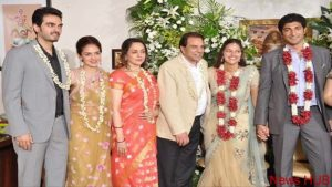Hema Malini Opens Up About Her Family Life & Dharmendra