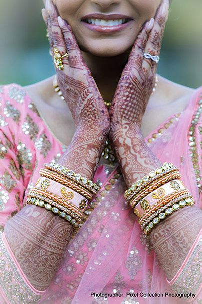 Details of indian bride Mehndi and Jewelry