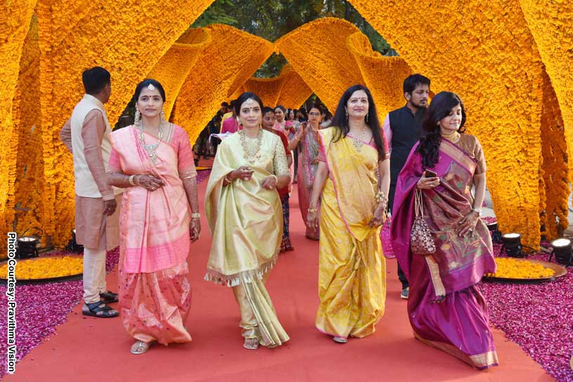 Very Attractive Yellow Flower Decoration in Indian Wedding