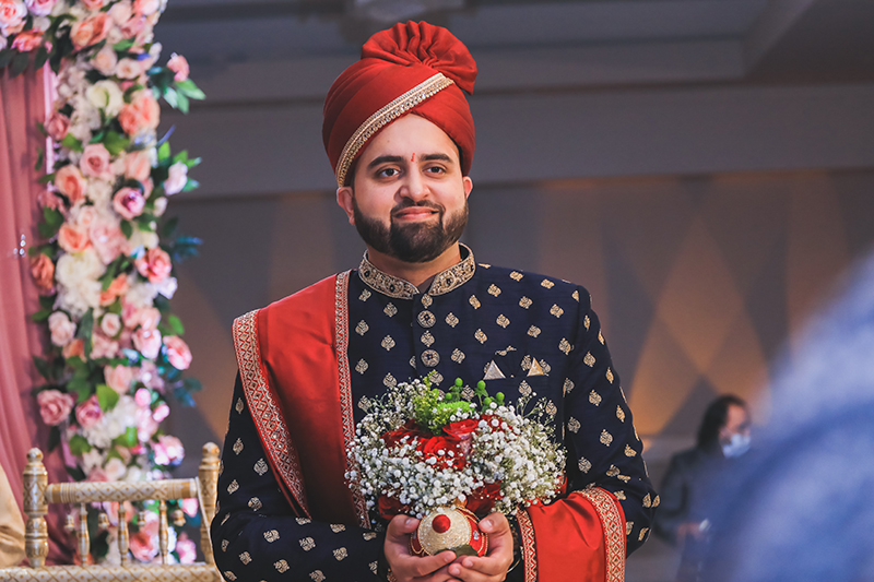 Amazingly capture of Indian groom