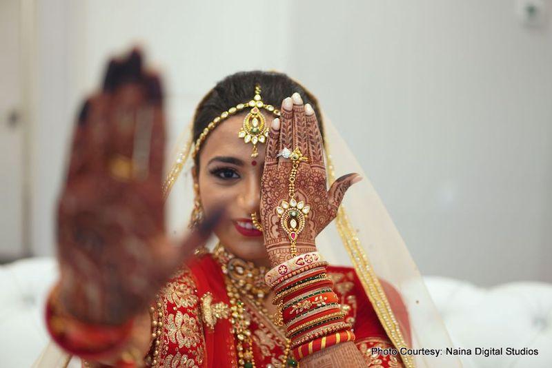 Indian Bride Wearing Bidal Chuda