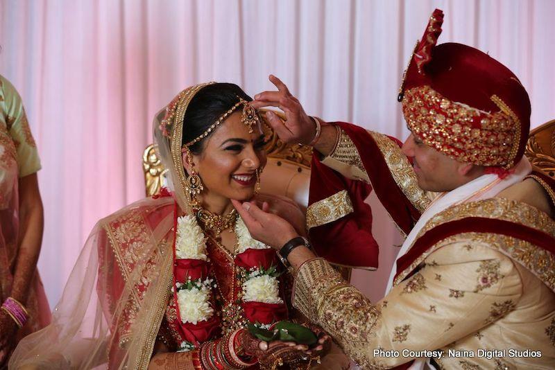 Sindoor - Sign of Indian Wedding woman
