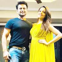 Kapil Sharma Show's Sugandha Mishra to Marry Sanket Bhosale
