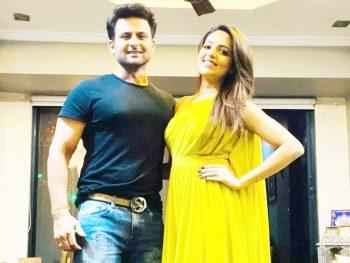 Sugandha Mishra & Sanket Bhosale